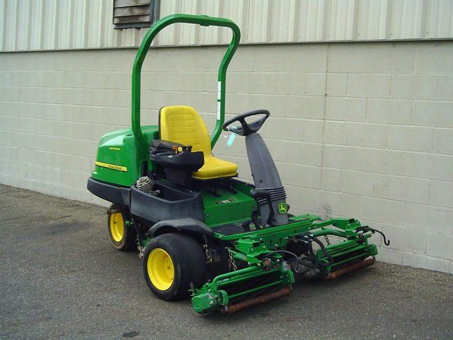 John Deere 2500e Professional Greens Mower Service Manual border=